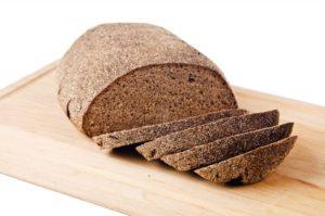 Et rugbrød, som det vil være bedre at du spiser end sukkerholdigt mad, som vist ved studiet, fremlagt ved EuroPerio9